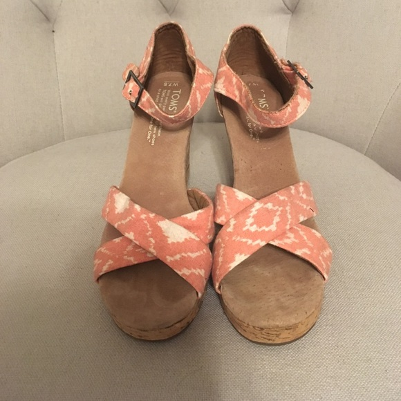 Toms Shoes - TOMS pink and white wedges